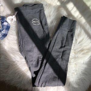 GILLY HICKS leggings